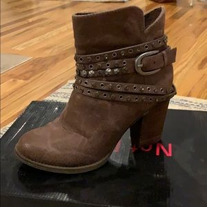 Not rated brown detailed ankle boots